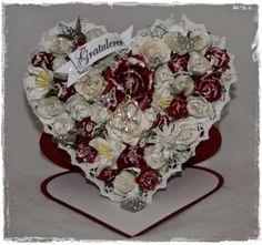 Gunns Papirpyssel Staffelikort, bursdag, kjærlighet, love, papirbretting, paperfolding, staffeli card, heart staffeli, papir, paper, kort, card, vintage, scrapbooking, scrapping