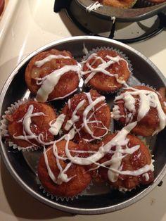 Cinnamon apple filled cupcakes