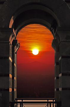 ☼ A winter sunset in Athens ☼ Beautiful World, Beautiful Images, Winter Sunset, Athens Greece, Attica Greece, Attica Athens, Mykonos Greece, Crete Greece, Beautiful Sunrise