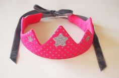 Coin Couture, Couture Sewing, Sewing For Kids, Diy For Kids, Costume Chevalier, Sewing Tutorials, Sewing Projects, Little Bow, Kids Jewelry