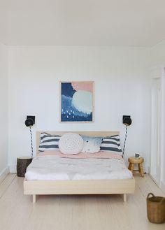Nalle's House: Little Modern Farmhouse Master Bedroom: beautiful Scando inspired dollhouse