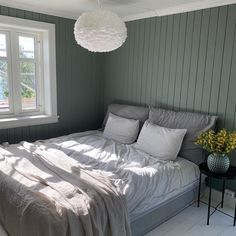 10 hjem malt i Antique green 7629 @anitz80 Bedroom Wall Colors, Bedroom Green, Boho Bedroom Diy, Bedroom Decor, Black Bedroom Design, Minimalist Bedroom, Dream Decor, Interior Design, Furniture