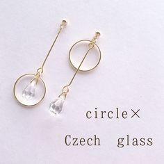 circle × Czechglassのアシンメトリーピアス/イヤリング | ハンドメイドマーケット minne