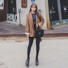 #envylook Double Pocket Drop Shoulder Loose Fit Blazer #koreanfashion #koreanstyle #kfashion #kstyle #stylish #fashionista #fashioninspo #fashioninspiration #inspirations #ootd #streetfashion #streetstyle #fashion #trend #style