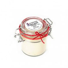 Kokosöl Bodybutter ganz einfach selber machen - WOHNKLAMOTTE We show you in our DIY how you can easily make a great coconut oil body butter yourself, which is also great as a gift! Body Weight Hiit Workout, Body Souffle, Body Butter, Perfect Body, Beauty Nails, Body Lotion, Coconut Oil, Soap, Perfume