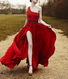 Somehow, somewhere, in some alternate reality, I get to wear this dress. But I don't have to walk on those heels in that gravel. My road is PAVED...