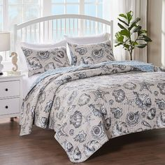House of Hampton Vince 6 Piece Reversible Comforter Set Size: Full/Queen Ruffle Bedding, Quilt Bedding, Queen Size Bedding, Comforter Sets, Quilt Sets, Home Decor Items, Duvet Cover Sets, Comforters, Living Spaces