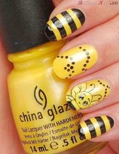10 Cute Nail Art Designs to try in 2015 Fancy Nails, Love Nails, Sexy Nails, Spring Nails, Summer Nails, Bumble Bee Nails, Bumble Bees, Yellow Nail Art, Animal Nail Art