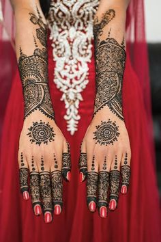 pretty hands henna tattoos egodesigns