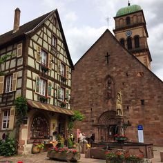 Ruta-Alsacia-Kaysersberg Francia. Strasbourg, France, Exterior, Cabin, House Styles, Building, Travel, Cathedrals, Alsace