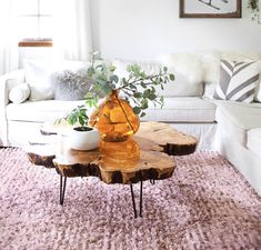 Sourcing Materials for a Live Edge Coffee Table - A Beautiful Mess Wood Slice Coffee Table, Coffee Table Design, Coffee Table Flowers, Tree Coffee Table, Natural Wood Coffee Table, Cool Coffee Tables, Home Living Room, Living Room Decor, Coffee Table Decor Living Room