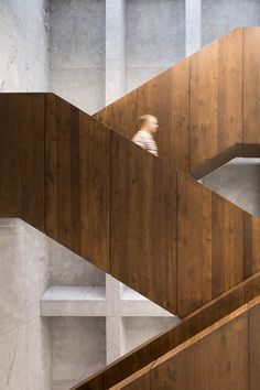 Professionals in staircase design, construction and stairs installation. In addition EeStairs offers design services on stairs and balustrades. Interior Staircase, Stairs Architecture, Staircase Design, Architecture Details, Interior Architecture, Interior And Exterior, Contemporary Architecture, Aarhus, Stair Handrail