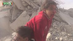 #عربين اللحظات الأولى للغارة الجوية وحالة الهلع بين الأهالي أثناء انقاذ ...