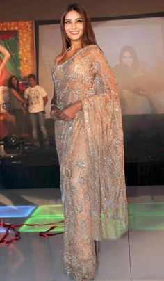 love this sheer, sparkly sari that Bipasha Basu is wearing. Indian Attire, Indian Wear, Indian Style, Indian Dresses, Indian Outfits, Beautiful Saree, Beautiful Dresses, Fashion Vestidos, Desi Clothes