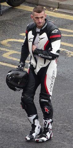 Biker into Bikers & Leathermen Motorcycle Suit, Motorcycle Leather, Biker Leather, Leather Men, Motorcycle Jackets, Leather Jackets, Leather Pants, Gay, Motard Sexy