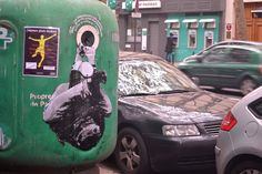Encre de chine et lavis sur kraft blanc sur benne Street Art, Benne, Les Oeuvres, Graffiti, Studio, Street Furniture, India Ink, Studios, Graffiti Artwork