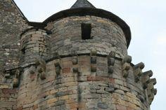 Château médiéval du XIVe siècle ~ Saint-Côme d'Olt. Chateau Medieval, Saint, Mount Rushmore, Castle, Mountains, Towers, Gates, Building, Nature