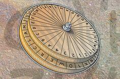 Build a secret code wheel to write/send secret messages (via Boys Life Magazine, but great for girls too! Cub Scouts Wolf, Beaver Scouts, Tiger Scouts, Girl Scouts, Cub Scout Crafts, Cub Scout Activities, Junior Girl Scout Badges, Girl Scout Juniors, Secret Code