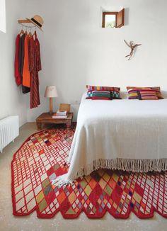Modern living, home design ideas, inspiration, and advice. Cool Bedside Tables, Bedside Lamp, Home Bedroom, Bedroom Decor, Master Bedroom, Design Bedroom, Serene Bedroom, Bedroom Carpet, Interior Flat
