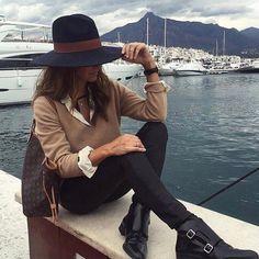 Beautiful style via @fashion4perfection ❤via @mismimy_official #fashionista_east #stylish