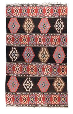 """KILIM D'AZERBAIDJAN Sud Est du Caucase, 20ème s. (280 cm. x 180 cm.) AZERBAIJAN KILIM South East Caucasus, 20th c. (9'2"""" x 5'9"""") - Leclere - Maison de ventes - 24/10/2014"""