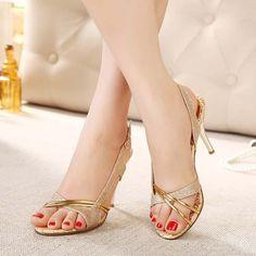 high heels – High Heels Daily Heels, stilettos and women's Shoes High Heels Stilettos, Stiletto Heels, Pumps, Trendy Shoes, Cute Shoes, Retro Mode, Cinderella Shoes, Slingback Sandal, Wedding Shoes