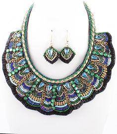 PWb0417 - Bohemian bib necklace