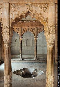 India, Rajasthan, Bharatpur, Lohagarh fort, Royal bath. Could you imagine bathing here?