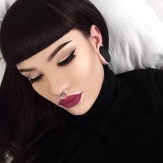New hair styles short bangs brows Ideas Beauty Makeup, Hair Makeup, Hair Beauty, Cabello Pin Up, Hairstyles With Bangs, Cool Hairstyles, Betty Bangs, Short Bangs, Straight Bangs