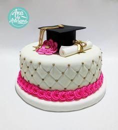 Celebra tus logros con un delicioso pastel 💯% personalizado 🎓 #pasteldegraduacion #graduacion #pastelespersonalizados…