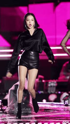 Stage Outfits, Kpop Outfits, Fashion Outfits, Kpop Girl Groups, Kpop Girls, Asian Makeup Natural, Leather Shorts Outfit, Jang Yeeun, Korean Girl Fashion