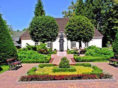 Duszniki Zdroj Poland Tourism, Homeland, Sidewalk, Germany, Manor Houses, Country Houses, Mansions, House Styles, Castles