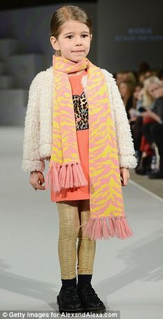 Child model wearing Anne Kurris Look 11