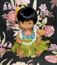 Vintage Hawaiian Hula Girl Doll