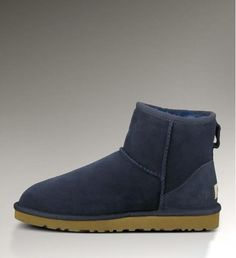 large discount of UGG.