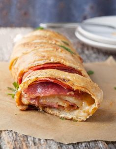 A fast and easy stromboli is the perfect dinner. Less than 30 minutes and your house will smell like your favorite pizzeria. - My WordPress Website Italian Dishes, Italian Recipes, Empanadas, Real Food Recipes, Cooking Recipes, Easy Recipes, Cooking Ham, Cooking Fish, Pizza Recipes