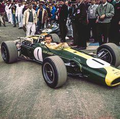 Tube Chassis, Racing Car Design, Lotus F1, Classic Race Cars, Speed Racer, Formula 1 Car, London Bridge, F1 Racing, Motor Car