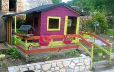 Fill your surroundings with the captivating and impressive shades of nature by decorating it with useful ideas of wood pallet recycling in a very economical way… Wood Pallet Bar, Pallet Kids, Diy Pallet Wall, Wooden Pallet Projects, Pallet Patio, Wood Pallet Furniture, Wood Pallets, Kids Garden Playhouse, Garden Kids