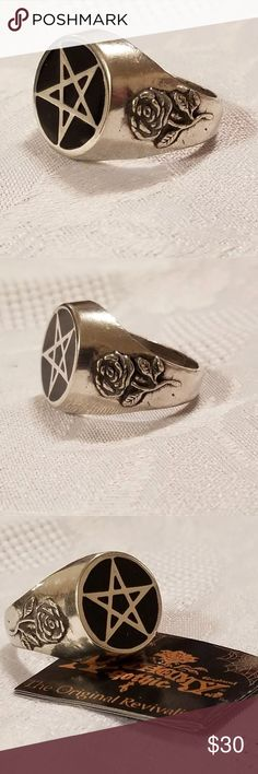 "Vintage Alchemy Gothic Pentagram Ring Vintage/Retired Alchemy Gothic ""Roseus Pentagram"" Signet Style Ring Size 11  A staple talisman for protection and power, a classic black enamelled pentagram, highly polished, and flanked with Alchemical roses of wisdom.  Made in the UK with fine English Pewter (heavy) AG is known for the gothic trademarked skulls, skeletons & more darkly divine creatures of the underworld, the night & even the darkest sides of life & death Alchemy Gothic has become so…"