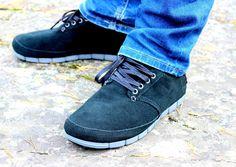 Sisustus COCO: Huippu hyvät Crocs Stretch Sole - Desert Boot mies... Desert Boots, Doc Martens Oxfords, Crocs, Squad, Stretches, Deserts, Oxford Shoes, Fashion, Moda