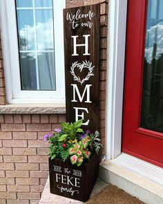 Welcome Signs Front Door, Wooden Welcome Signs, Front Porch Signs, Diy Wood Signs, Front Door Decor, Diy Wood Projects, Wood Crafts, Porch Decorating, Decoration