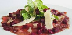Venison Carpaccio with beetroot concasse Easy Weekday Meals, Great Appetizers, Honey Lemon, Venison, Beetroot, Beets, Starters, Waffles, Special Occasion