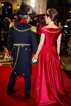 Crown Princess Mary looked simply breathtaking as she joined her husband Crown Prince Frederik of Denmark, at the event, which was hosted by his mother, Queen Margrethe II at the Amalienborg Palace in Copenhagen for the first New Year banquet on January 1, 2018.