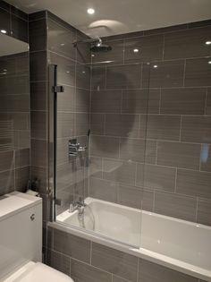 58 Ideas bathroom tub remodel shower surround for 2019 Bathroom Tub Shower, Hall Bathroom, Bathroom Floor Tiles, Bathroom Interior, Modern Bathroom, Master Bathroom, Bathroom Ideas, Tile Floor, Bathroom Remodeling