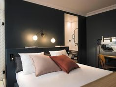 Q Hotel Paris is a luxury boutique hotel in Paris, France. View our verified. - Tyler Wisler Home - Paris Hotels, Coq Hotel Paris, Design Hotel, Hotel Decor, Hotel Interiors, Deco Design, Luxurious Bedrooms, Luxury Bedrooms, Home Bedroom