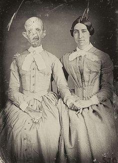 Wenn deine Verwandten tot sind, Mutti aber trotzdem auf Familienfotos besteht... o.O | unfassbar.es