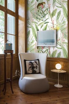 Tropic Chic Wallpaper Chinoiserie wallpaper Jungle decor tropical wall decor tropical wallpaper tropical animals removable wallpaper by Normal Wallpaper, Chic Wallpaper, Print Wallpaper, Wallpaper Jungle, Oriental Wallpaper, Chinoiserie Wallpaper, Tropical Wallpaper, Tropical Bedroom Decor, Tropical Decor