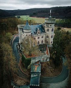 Beautiful Castles, Beautiful Places, Hogwarts, French Castles, Storybook Cottage, Castle In The Sky, Amazing Buildings, Abandoned Mansions, Fortification