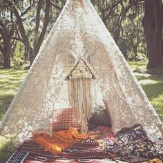 This Knight Raven Tipi Co custom bohemian lace tipi lounge with dreamy wall hanging is a magical space to read or dream in. Gazebos, Arbors, Diy Vintage, Boho Home, My New Room, Lounges, Bohemian Decor, Hippie Boho, Boho Gypsy