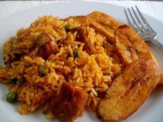 Arroz con costillas de cerdo Salty Foods, Comida Latina, Ravioli, Crepes, Fried Rice, Chowder, Risotto, Pork, Cooking Recipes